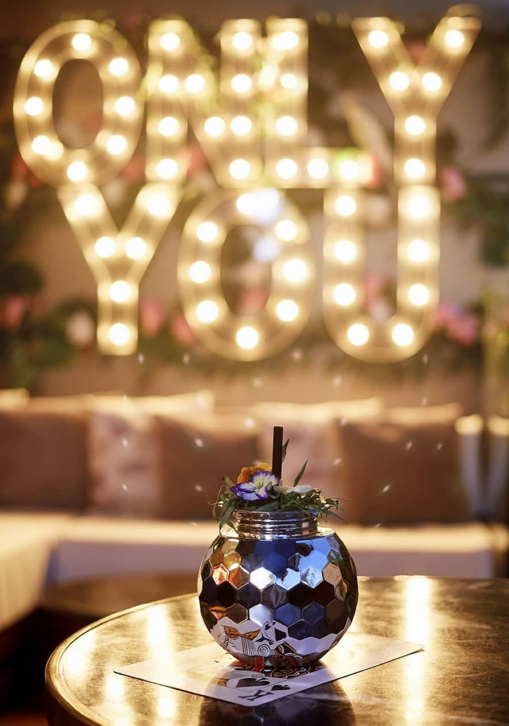 Only YOU Hotels luces